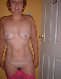 nasty moms and horny amateur mature women posing nude